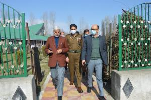 DC Baramulla reviews infrastructure facilities in...