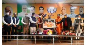 BJP deploys battery of union ministers, central l...