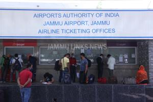 Jammu, Srinagar Airports receive 36 domestic flig...