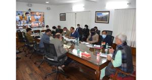 Lt Governor reviews winter preparedness & logisti...