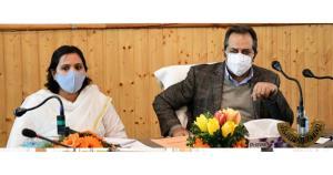 Advisor Baseer Khan visits Ganderbal